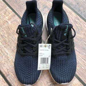 NWT Adidas Ultra Boost MENS size 8.5